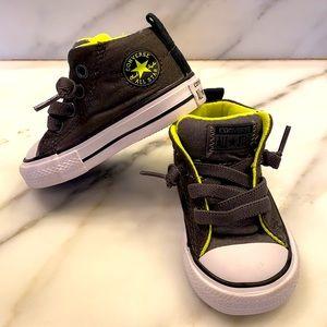 NWOT toddler size 3 Converse slip on hi-tops